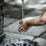 Le lavage des mains des enfants